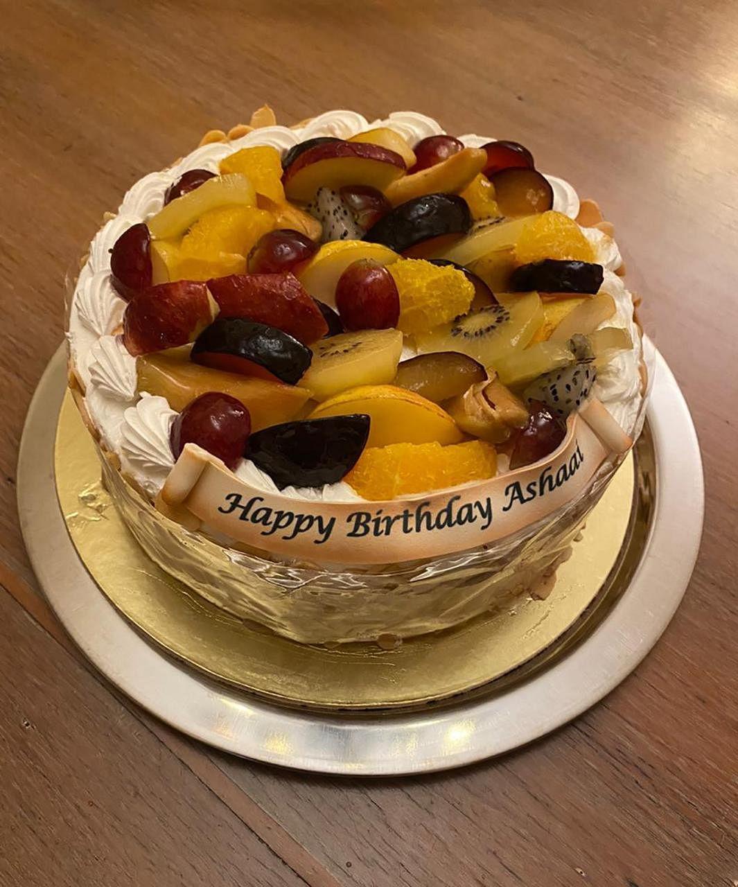 Asha Bhosle birthday cake