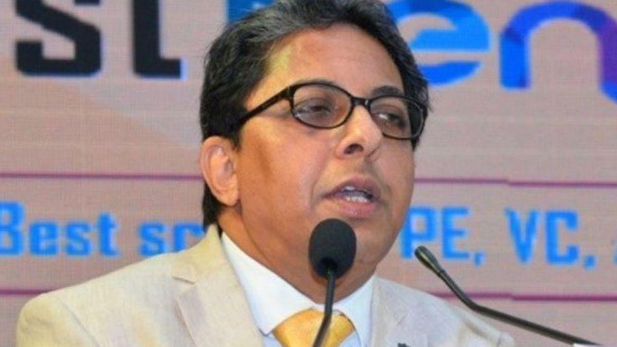 ममता बनर्जी का मास्टर स्ट्रोक: आलापन बंद्योपाध्याय को नियुक्त किया बंगाल की मुख्यमंत्री का मुख्य सलाहकार
