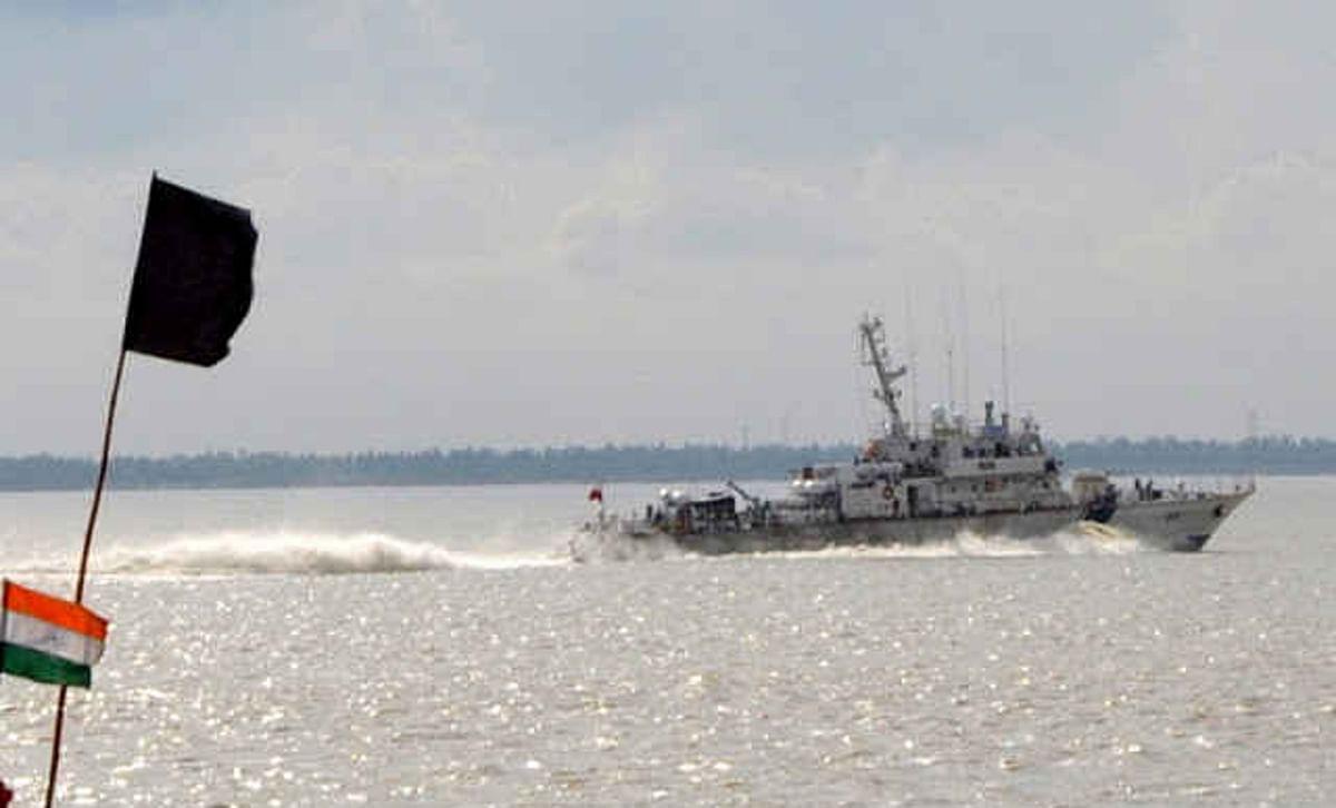 West Bengal News: नौका के जरिये बांग्लादेश भेजे जा रहे थे 3.3 करोड़ के कपड़े, कस्टम ने पकड़ा