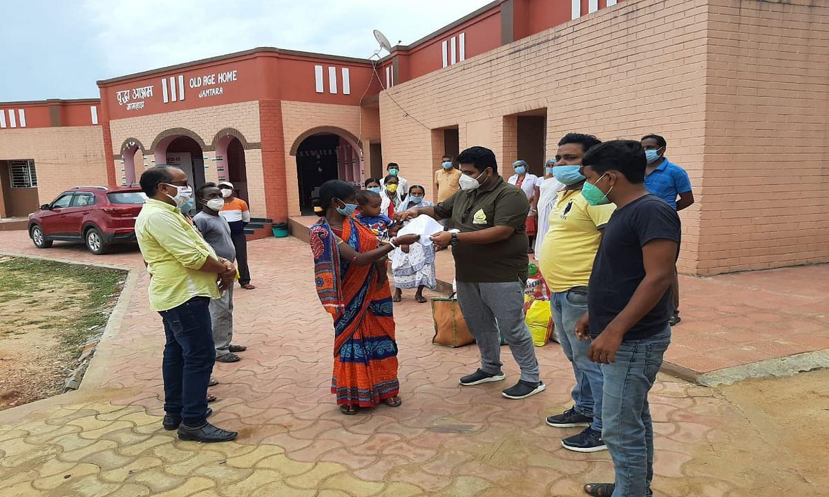Coronavirus In Jharkhand Update : झारखंड में 46 हजार के पार पहुंची कोरोना संक्रमितों की संख्या, होम कोरेंटिन का उल्लंघन करने पर रांची में 3 लोगों के खिलाफ मामला दर्ज