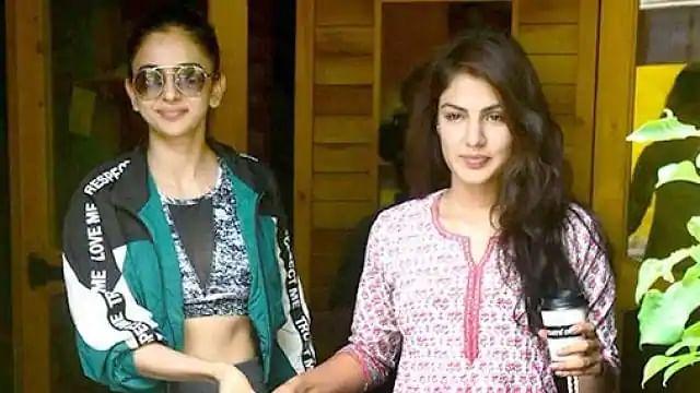 Bollywood Drug Case: रकुलप्रीत और करिश्मा ने स्वीकारी ड्रग्स चैट की बात, कल दीपिका के सामने होगी पूछताछ