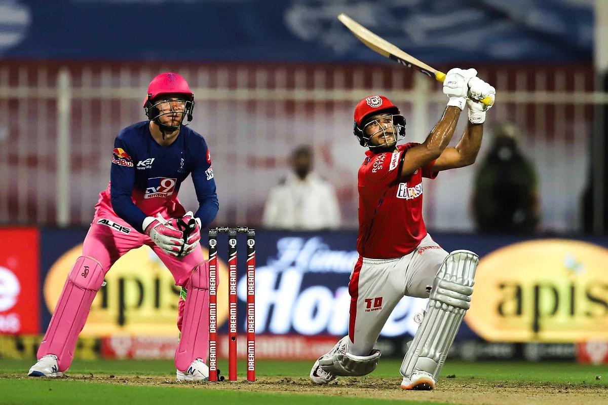 मयंक अग्रवाल ने आईपीएल में जमाया तेज शतक, जयसूर्या के रिकॉर्ड की बराबरी की