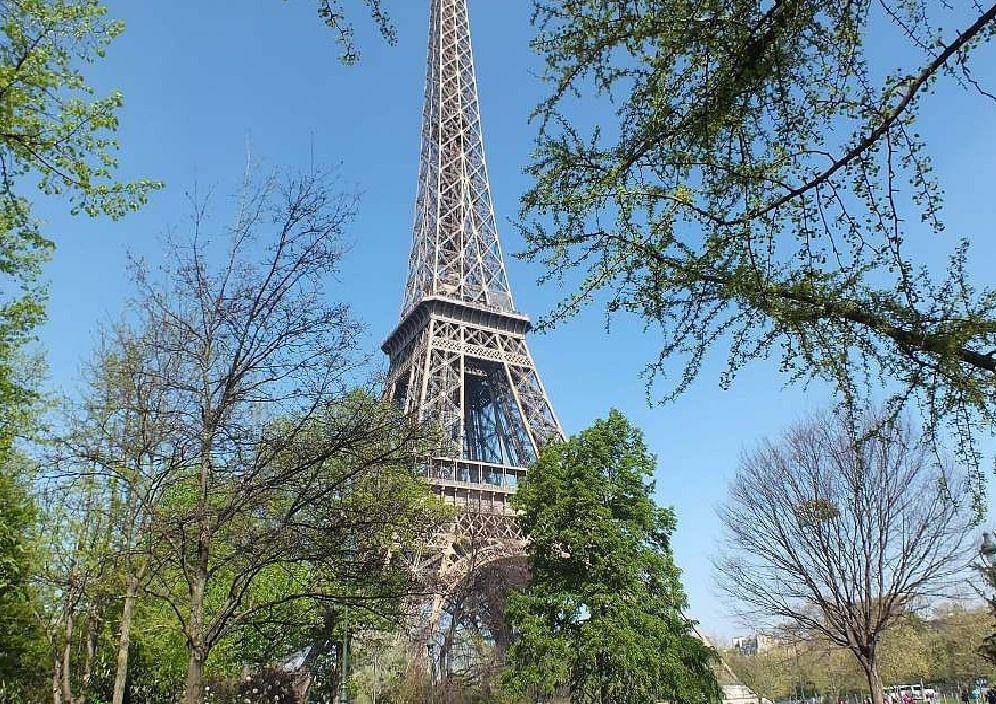 धमाके जैसी आवाज से डरा पेरिस, जानें  क्यों और कैसे आयी आवाज