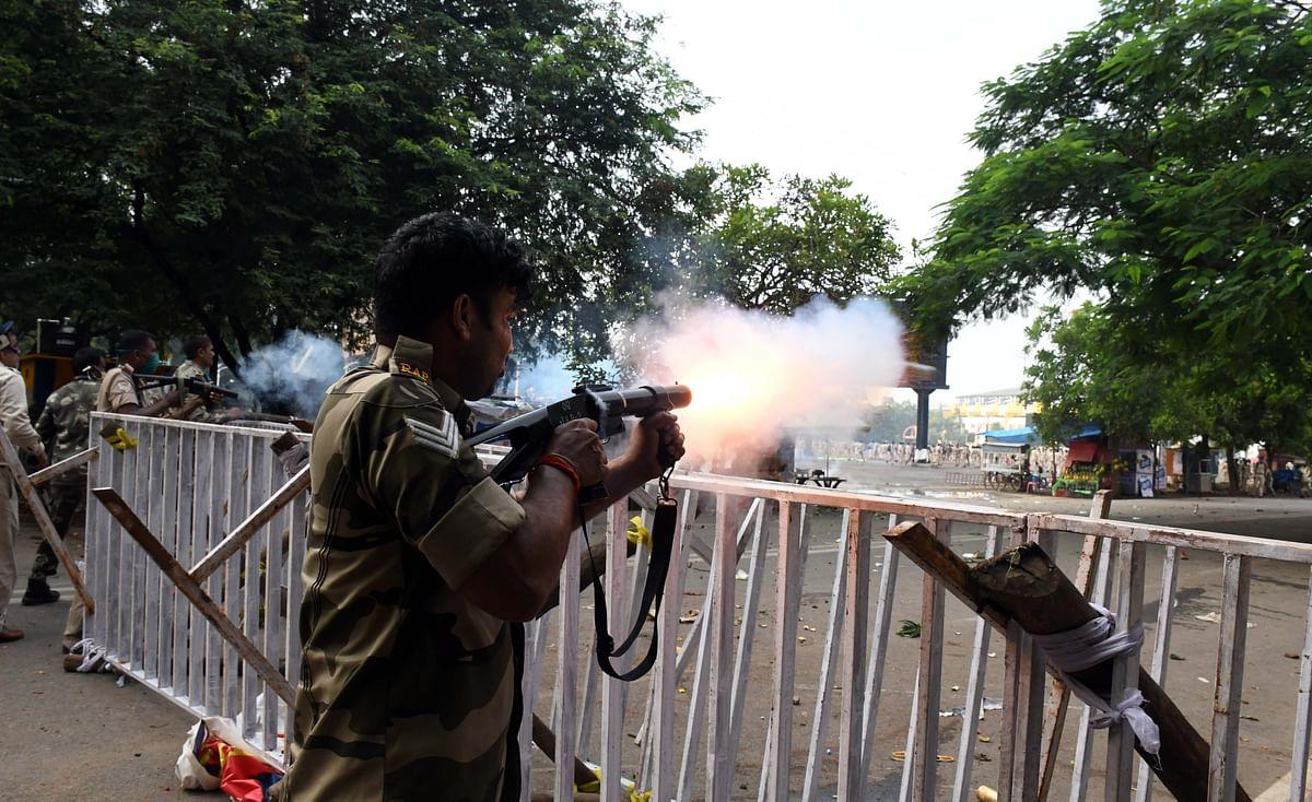 Jharkhand News: नौकरी नहीं दे सकते तो गोली मार दीजिये, रांची में सहायक पुलिसकर्मियों पर लाठीचार्ज के बाद बोले जवान, देखें Video