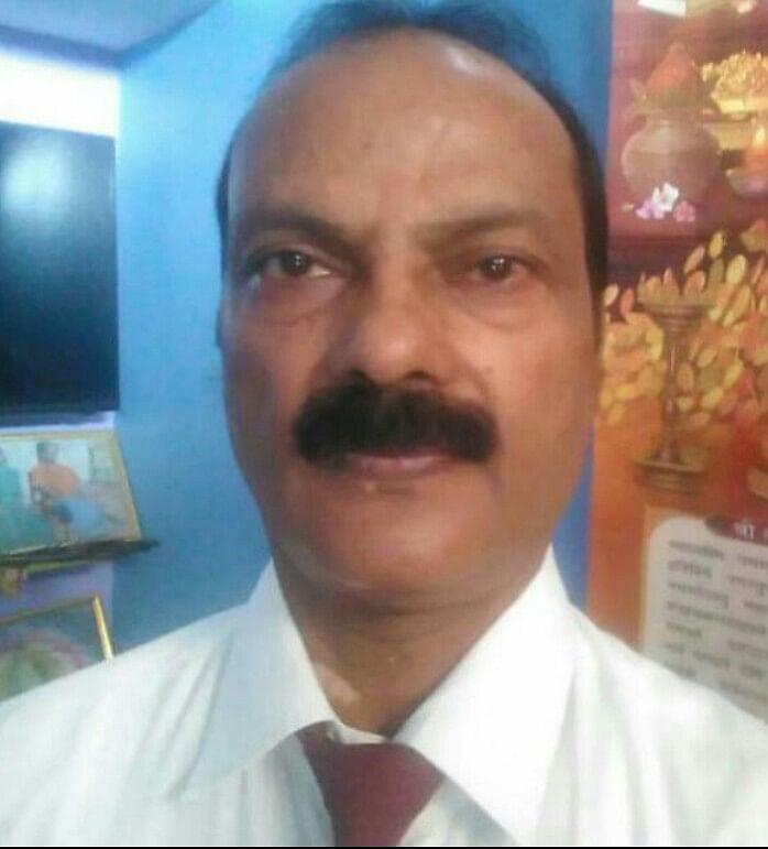 Teachers Day 2020 : राष्ट्रपति से पुरस्कृत लोहरदगा के इस शिक्षक ने गांव-गांव घूम लगायी थी रात्रि पाठशाला, खस्ताहाल स्कूल को दिलाया 5 स्टार का दर्जा