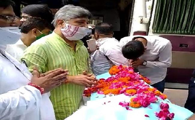 समाजवादी नेता रघुवंश बाबू के निधन से सियासी गलियारे में शोक की लहर, सीएम नीतीश ने जताया शोक, राजद ने घोषित किया सात दिन का शोक