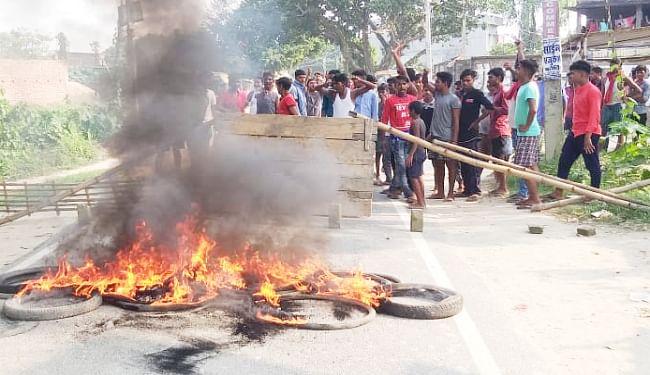 डेयरी कारोबारी को अगवा कर हाथ-पैर तोड़ कर मार डाला, हत्या के 10 घंटे बाद पहुंची पुलिस से ग्रामीणों की झड़प, पथराव, आगजनी