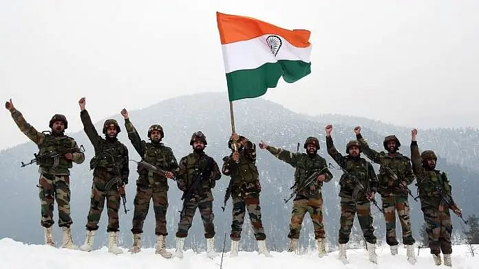 India-China Tension: भारतीय सैनिकों के आगे चीनी कैमरे और सेंसर फेल, PLA को धूल चटा जवानों ने ऊंचाई पर किया कब्जा