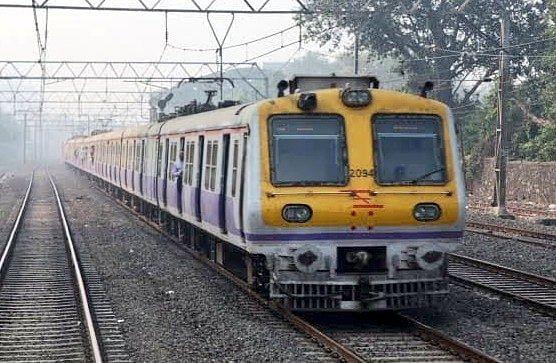 IRCTC/Indian Railways News : भीड़ को देखते हुए 21 सितंबर से 350 से बढ़ाकर 500 रोजाना स्पेशल सबअर्बन सर्विस ट्रेनें चलेंगी