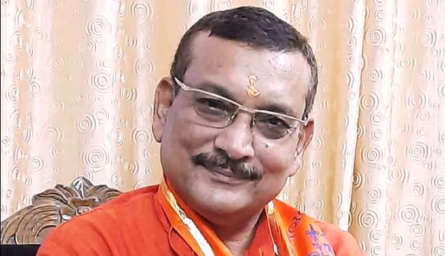 सोशल मीडिया के 'हॉट केक' हैं गुप्तेश्वर पांडेय, लालू परिवार के सदस्यों समेत कई पार्टियों और नेताओं से आगे निकले पूर्व डीजीपी