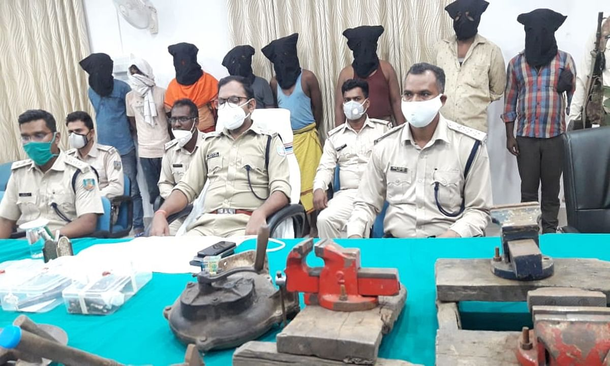 गढ़वा में 2 दिन में 2 मिनी गन फैक्टी का खुलासा, कुल 15 आरोपियों की हुई गिरफ्तारी