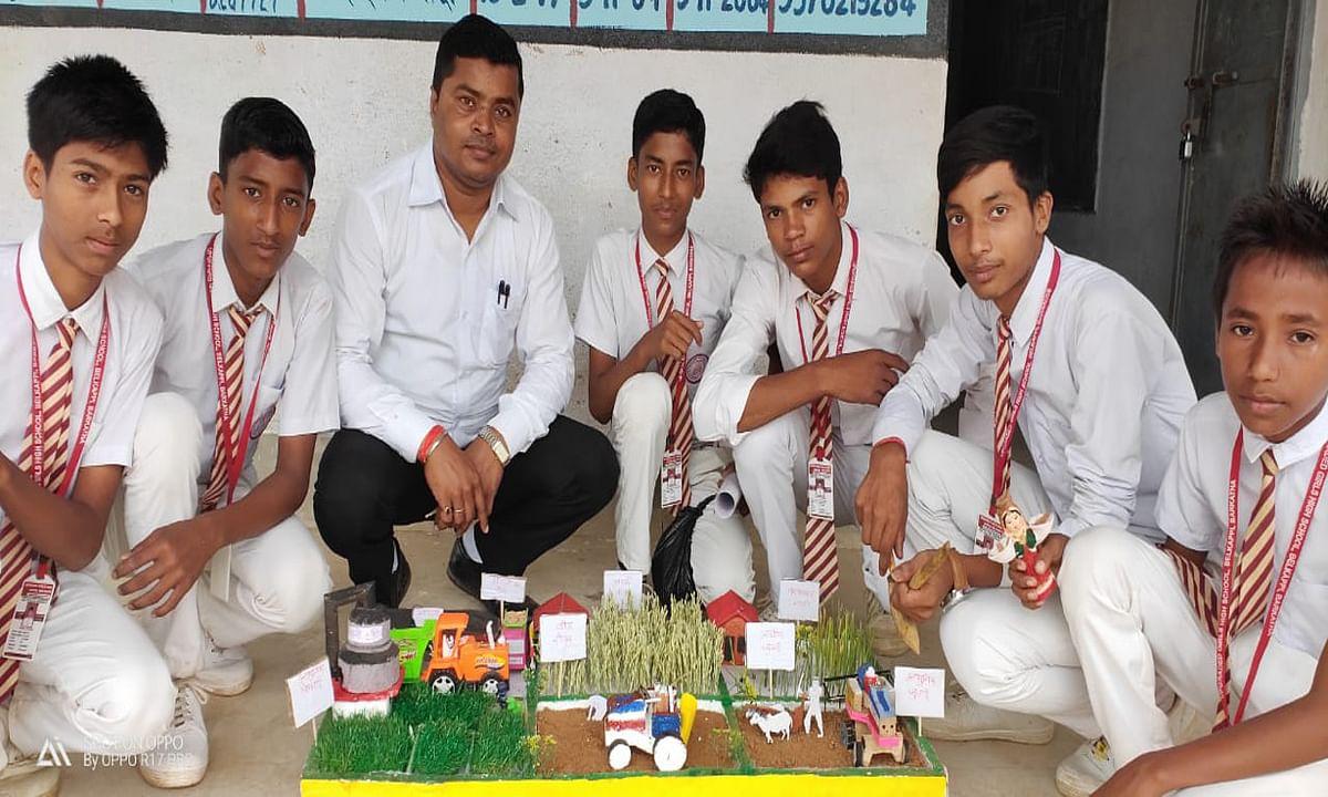 शिक्षक दिवस 2020 : लोगों के दिमाग से सरकारी स्कूलों की परिभाषा बदलने में कामयाब हुए बेलकप्पी के उत्कृष्ट शिक्षक छत्रु प्रसाद