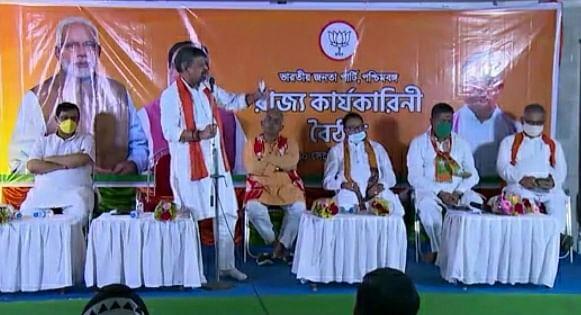 West Bengal News : कैलाश विजयवर्गीय ने बंगाल के अधिकारियों को चेताया, कहा- अराजकता फैलाने वाले अधिकारी जायेंगे जेल