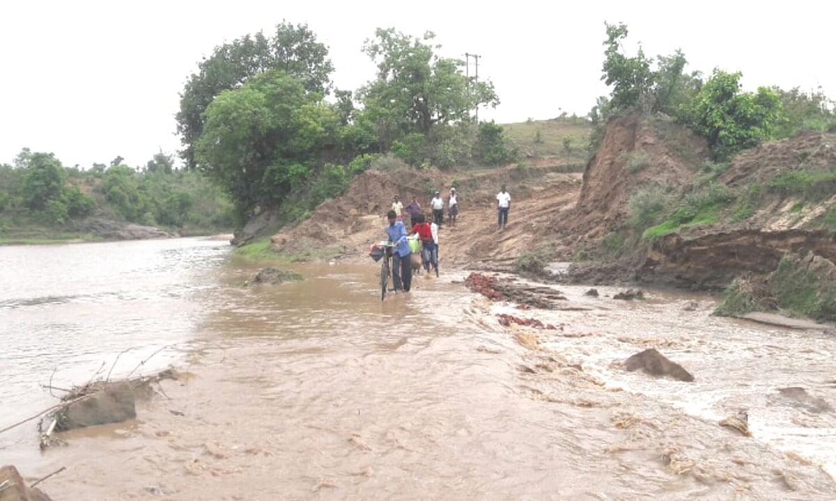 प्रभात खबर इंपैक्ट : बोकारो नदी पर पुल निर्माण को लेकर निकला दोबारा टेंडर, जान जोखिम में डाल कर नदी पार करने से ग्रामीणों को मिल सकती है मुक्ति