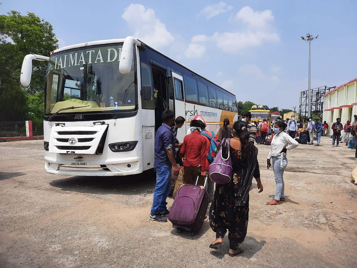 होली में बसों से लौट रहे परदेसी, दिल्ली से रोज आ रहीं 100 बसें बिहार