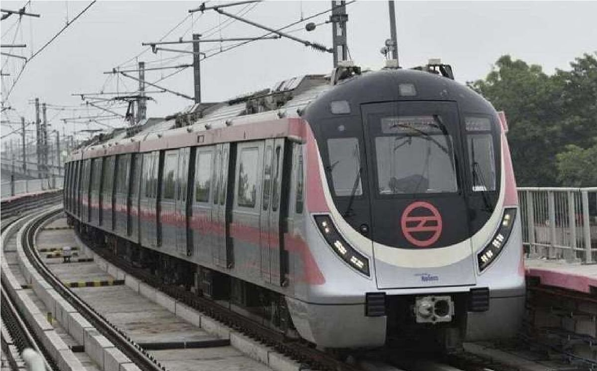 पटरी पर लौट रही है दिल्ली, मेट्रो में सुबह 7 से 11 बजे तक 33 हजार से ज्यादा यात्रियों ने किया सफर
