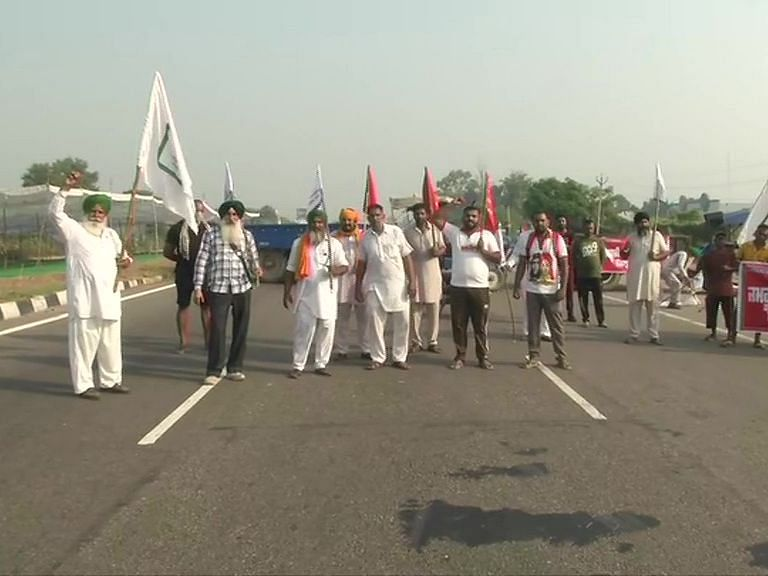 Krishi Bill 2020, Farmers Strike Live Update : कृषि बिल के विरोध में RJD का बिहार में प्रदर्शन, तेजस्वी बोले- सरकार ने किसानों को कठपुतली बनाया