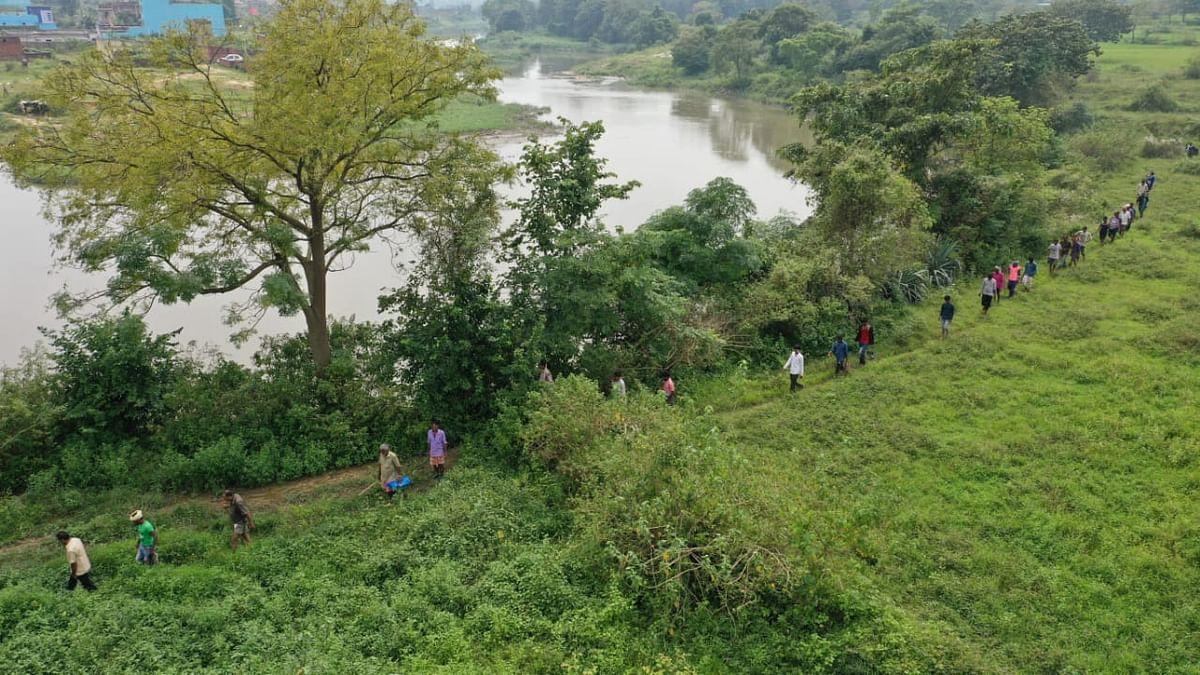 चौथे दिन ड्रोन कैमरे से नाले में दिखा एक शव, मेयर के साथ हुंडरागढ़ा की ओर दौड़े हजारीबाग से आये लोग