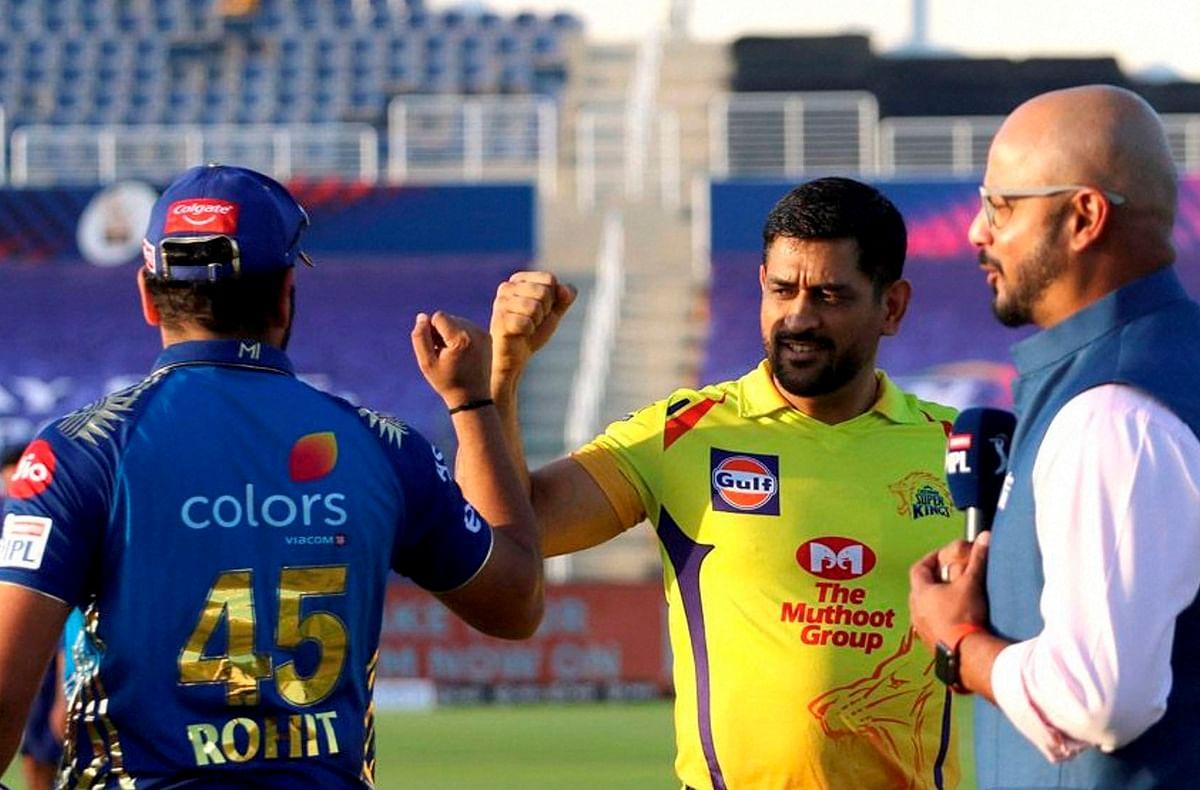 IPL 2020 : 13 महीने बाद मैदान पर उतरे धौनी, टॉस से पहले मैच रेफरी से पूछा ऐसा सवाल की सब रह गए हैरान