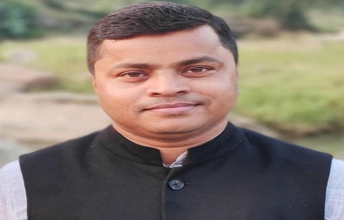 Jharkhand news : कन्या उच्च विद्यालय बेलकप्पी, बरकट्ठा के प्रधानाध्यापक छत्रु प्रसाद.