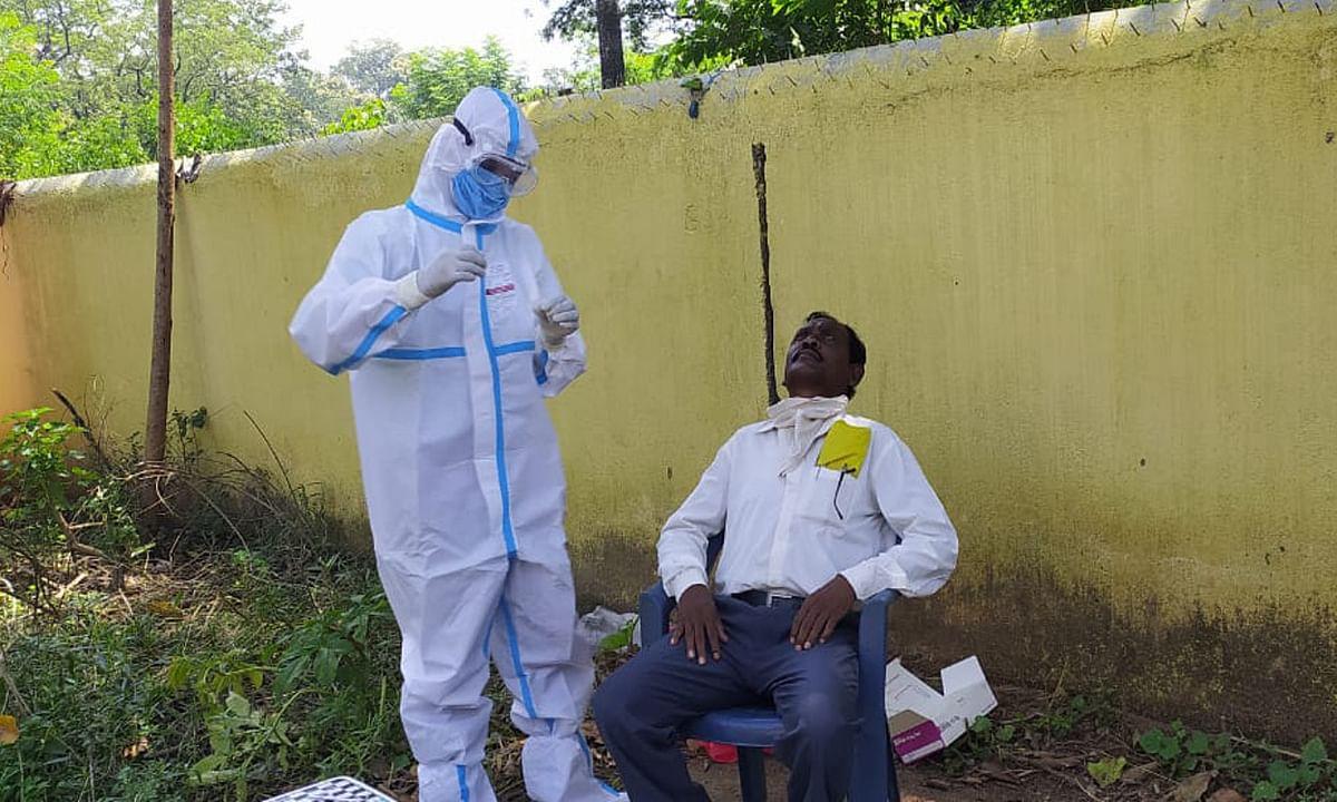 पश्चिमी सिंहभूम जिले में कोरोना संक्रमण से अब तक 19 लोगों की हुई मौत, सावधानी बरतने की अपील