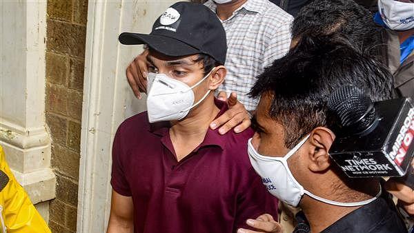 Rhea Chakraborty: ड्रग्स केस में NCB की बड़ी कार्रवाई, शौविक चक्रवर्ती के पेडलर दोस्त को पकड़ा
