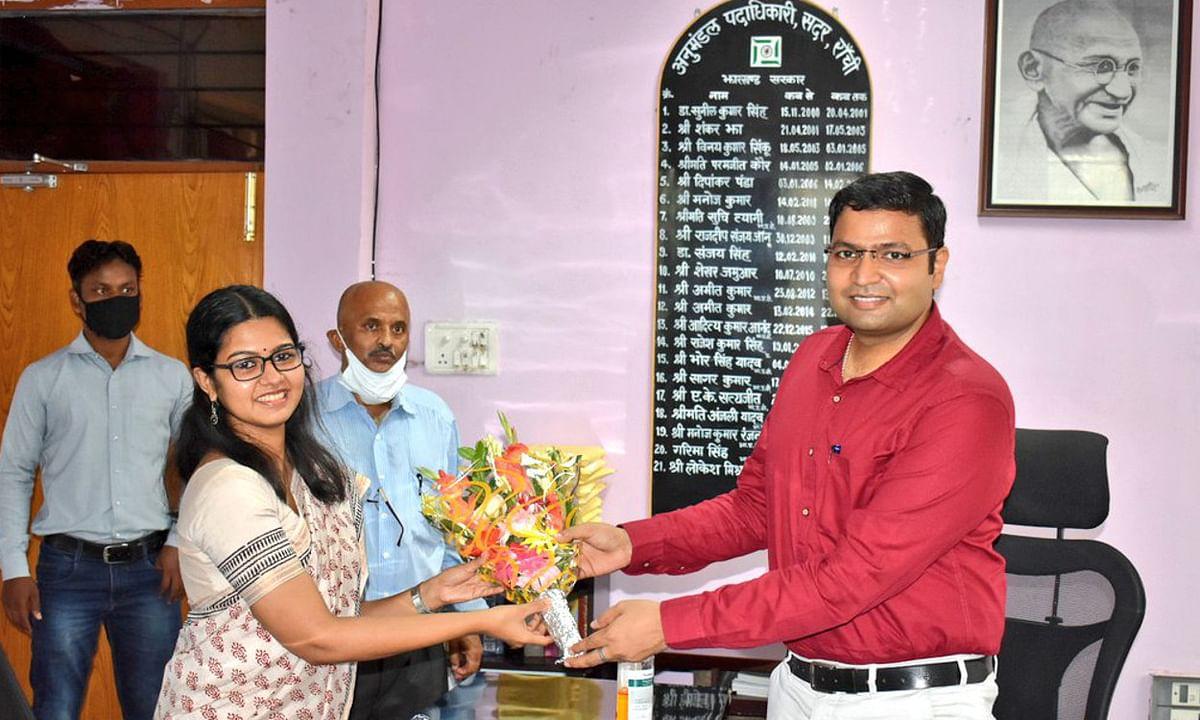 रांची में समीरा एस और चक्रधरपुर में अभिजीत सिन्हा ने संभाला एसडीओ का कार्यभार