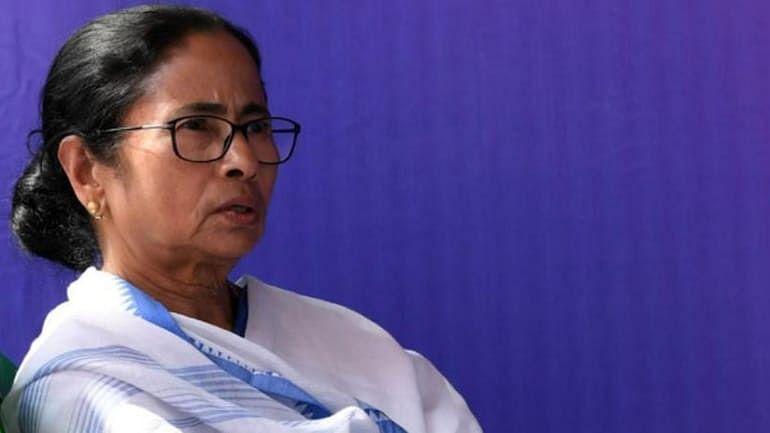 ममता बनर्जी ने राज्यसभा से निलंबित सदस्यों से बात की, उनकी कोशिश की प्रशंसा की