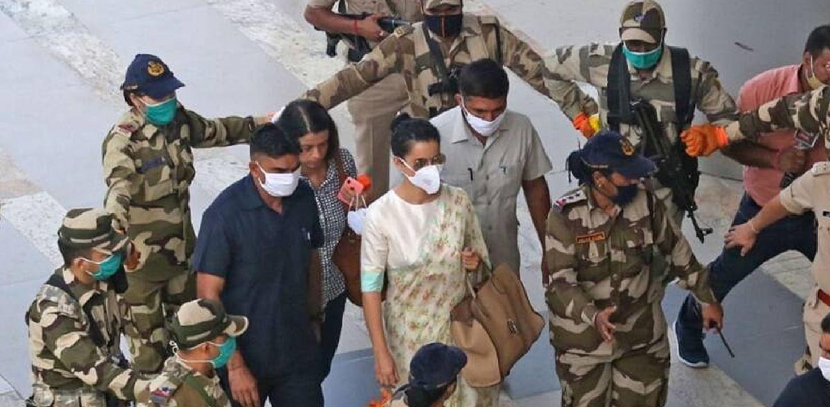 Kangana Ranaut Live News Updates :  मुंबई पहुंचते ही उद्धव पर गरजीं कंगना, 'आज मेरा घर टूटा है, कल तेरा घमंड टूटेगा'