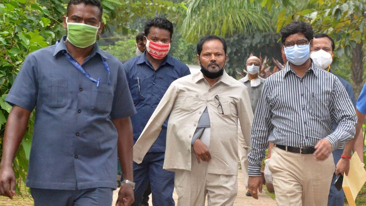 बिहार में विधानसभा चुनाव लड़ेगा झारखंड मुक्ति मोर्चा, हेमंत सोरेन ने लालू से मिलकर मांगी 12 सीटें, तो राजद सुप्रीमो बोले...