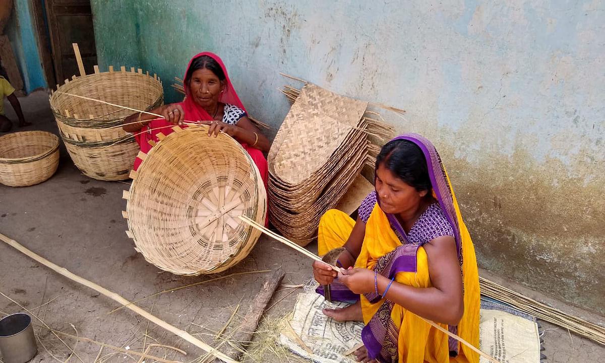 तुरी जाति के पारंपरिक व्यवसाय पर मंडरा रहा खतरा, बांस के बने सामानों की बिक्री में आयी  गिरावट