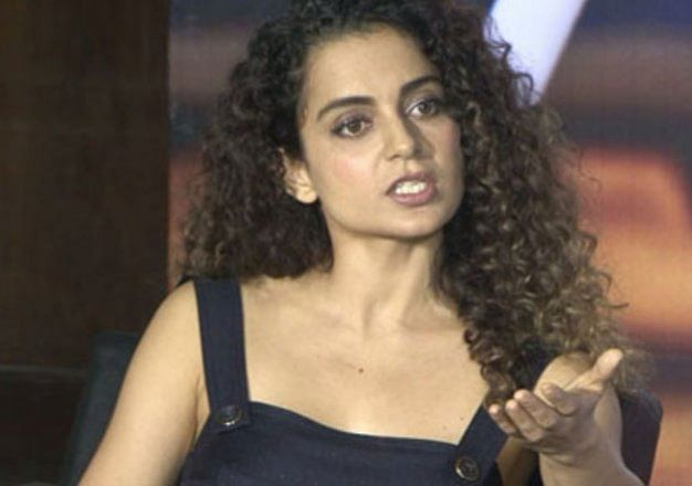 'मुंबई मिशन' पर कंगना रनौत, सुबह से ताबड़तोड़ ट्वीट कर बम गिरा रहीं 'मणिकर्णिका', बाबर की सेना से PoK तक जानें क्या-क्या बोला...