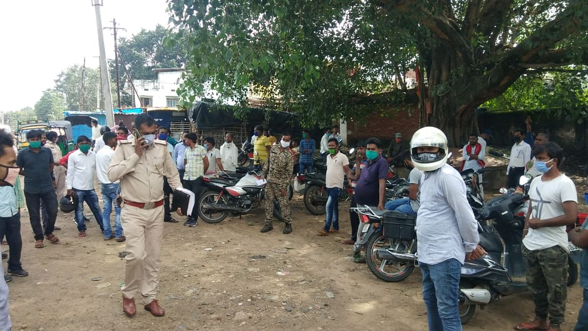 पतरातू में 25 गांव के विस्थापितों पर बरसी लाठियां, 200 से ज्यादा लोगों पर केस दर्ज, नेता बोले : पुलिस वालों पर हो कार्रवाई