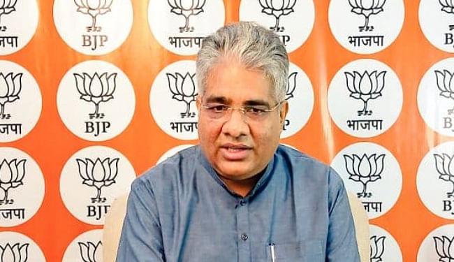 Bihar Election 2020: एनडीए में सीट शेयरिंग को लेकर भूपेंद्र से मिले आरसीपी व ललन, जल्द ही होगा फैसला...
