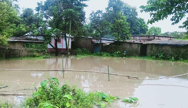 गांवों में घुसा पानी