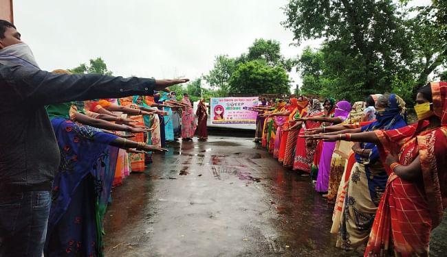 भोजपुर में जीविका दीदियों को शपथ के जरिये मतदान के लिए किया गया जागरूक