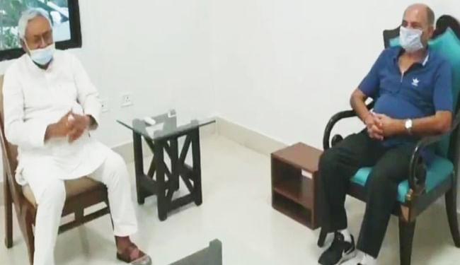 मुख्यमंत्री नीतीश कुमार से मिले सुशांत सिंह राजपूत के पिता केके सिंह, सीबीआई जांच की धीमी जांच से दुखी है परिवार