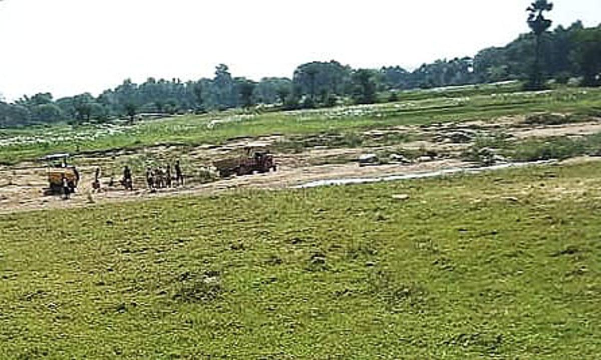 Jharkhand News : सरकारी जमीन पर बने मकानों और दुकानों पर लगा लाल घेरा, होगी कड़ी कार्रवाई