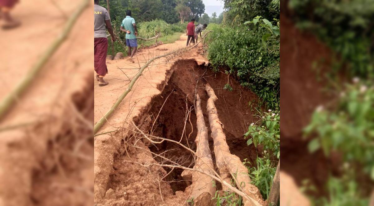 मालम में लकड़ी की पुलिया टूटी, आदिम जनजाति बहुल 10 गांवों के लोगों की समस्या बढ़ी