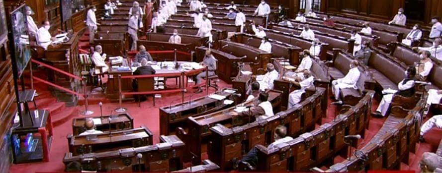 Parliament LIVE : निलंबन के खिलाफ विपक्ष का हल्लाबोल, कांग्रेस ने किया सदन का बहिष्कार