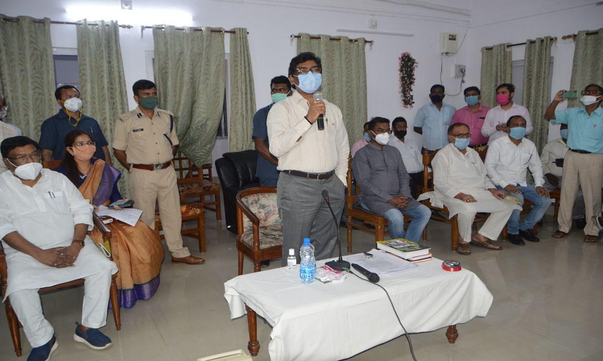 तीन दिवसीय दुमका दौरे पर मुख्यमंत्री हेमंत सोरेन, कहा- राज्यवासियों को खुशहाल रखना मेरी पहली प्राथमिकता
