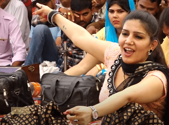 Sapna Choudhary : 'ठेके वाली गली' गाने पर सपना चौधरी का तूफानी डांस देख झूम उठे फैंस, देखें जबरदस्त VIDEO