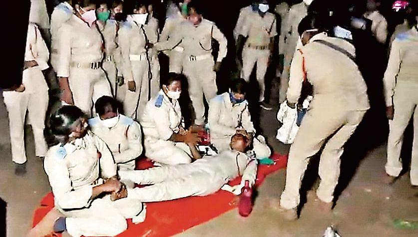 गुमला की एक महिला सहायक पुलिसकर्मी हो गयी थी एक दिन पहले बेहोश. रिम्स में कराया गया भर्ती.