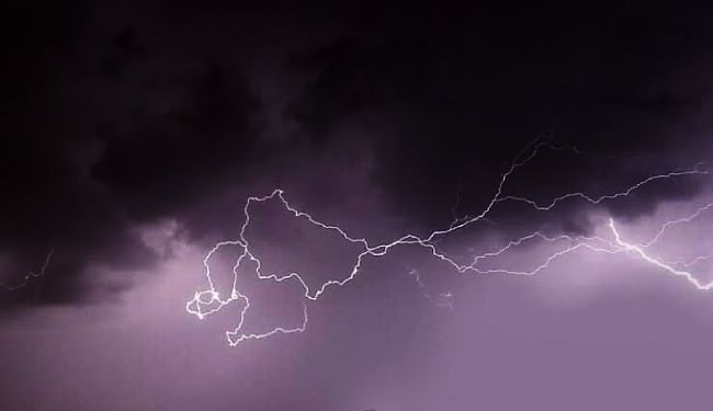 Weather Alert in Bihar : अगले 72 घंटे बिहार में भारी बारिश और वज्रपात के आसार, हाई अलर्ट