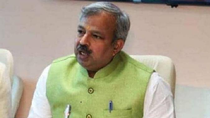 तोड़ी जाने वाली झुग्गी में रहने वालों को 52 हजार खाली मकानों में भेजे दिल्ली सरकार : भाजपा