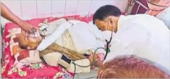 बिहार चुनाव : जनसंपर्क के दौरान गश खाकर गिरे पूर्व मंत्री नरेंद्र सिंह, जमुई से पटना रेफर किये गये