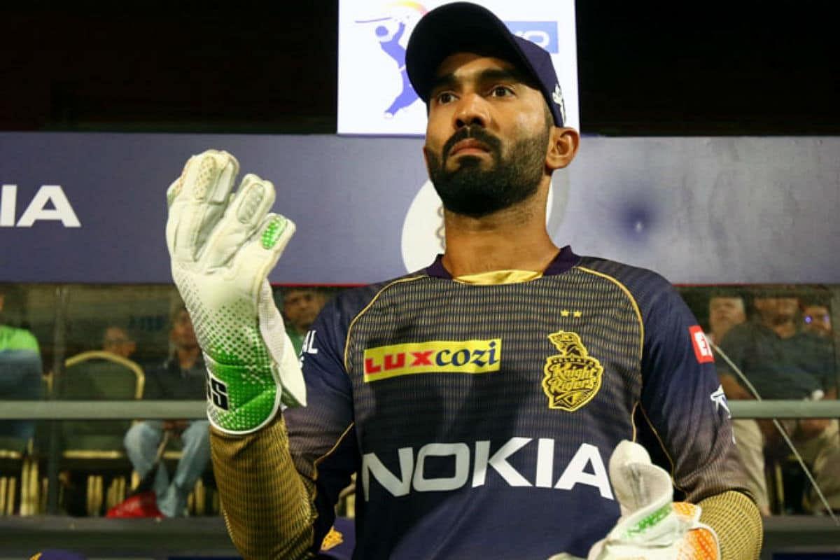 IPL 2020 : मुंबई के साथ मैच से पहले दिनेश कार्तिक ने छोड़ी केकेआर की कप्तानी, जानें क्या है कारण...