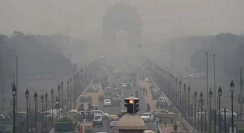 दिल्ली की वायु गुणवत्ता 'बेहद खराब' श्रेणी में बरकरार, सोमवार से सुधार की उम्मीद