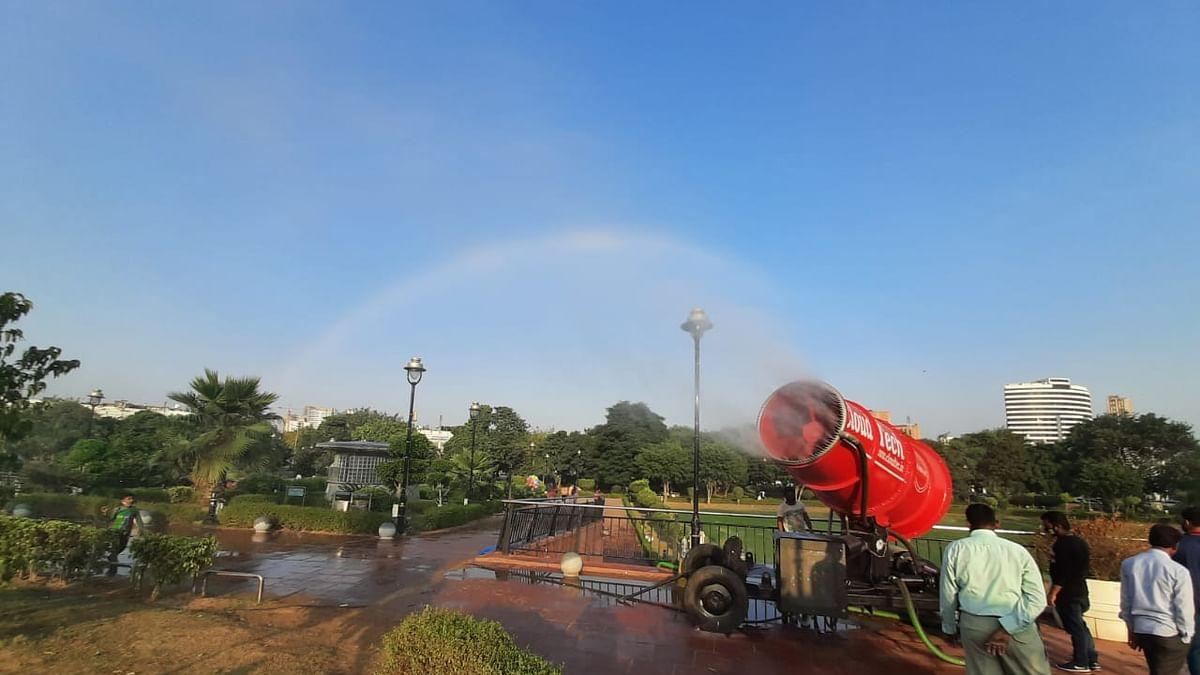 इस वजह से दिल्ली में बना इंद्रधनुष, आप भी देखें मनमोहक तस्वीरें