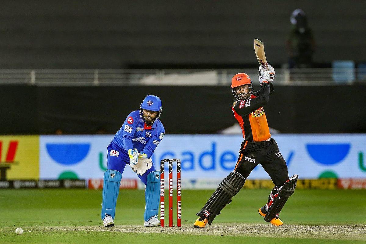 IPL 2020 : हैदराबाद को झटका, विस्फोक बल्लेबाज ऋद्धिमान साहा चोटिल, ऑस्ट्रेलिया दौरे पर पड़ सकता है प्रभाव